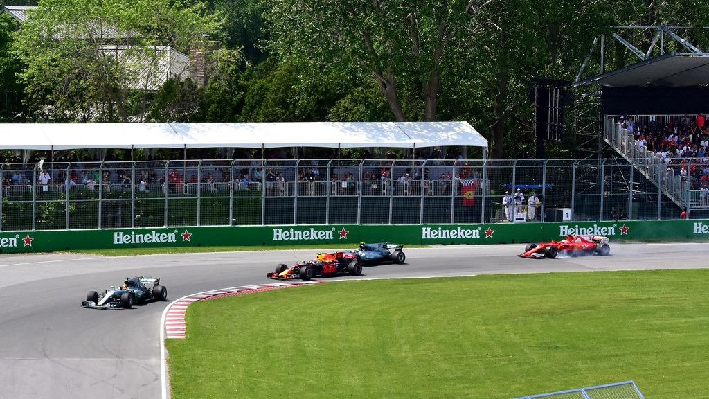 van para Formula 1 em Interlagos