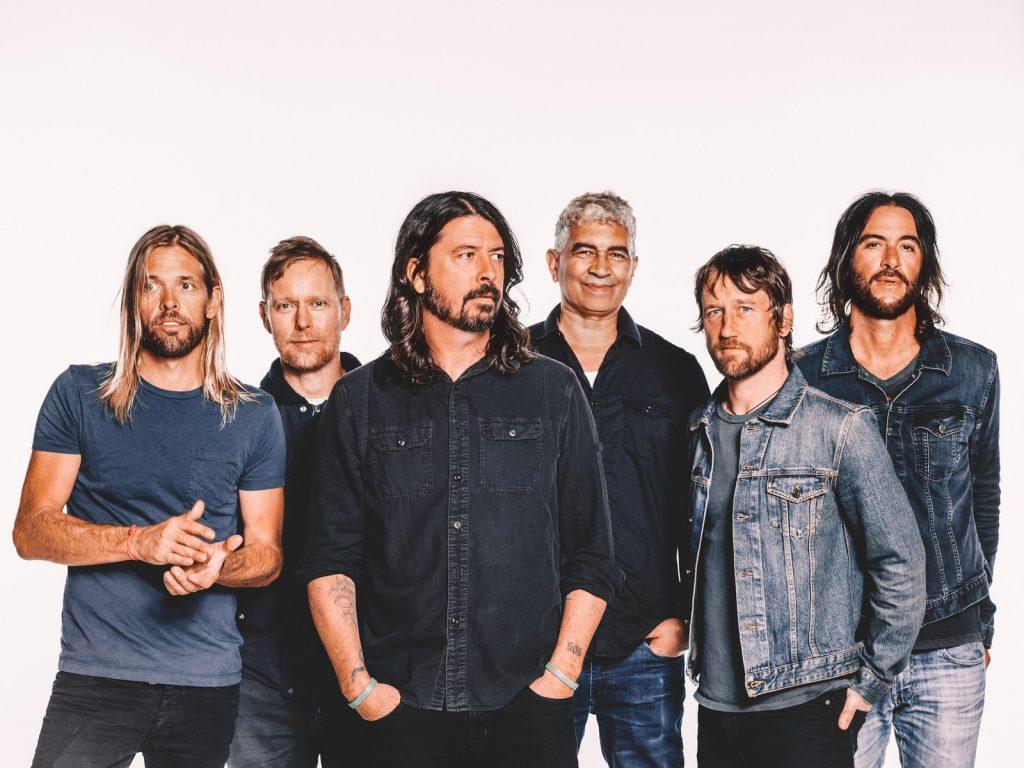 Aluguel de Van para o show do Foo Fighters